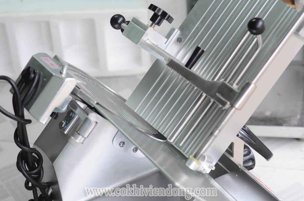 Máy cắt lát thịt tự động SL- 300B