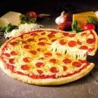 Cách làm pizza xúc xích ngon như nhà hàng