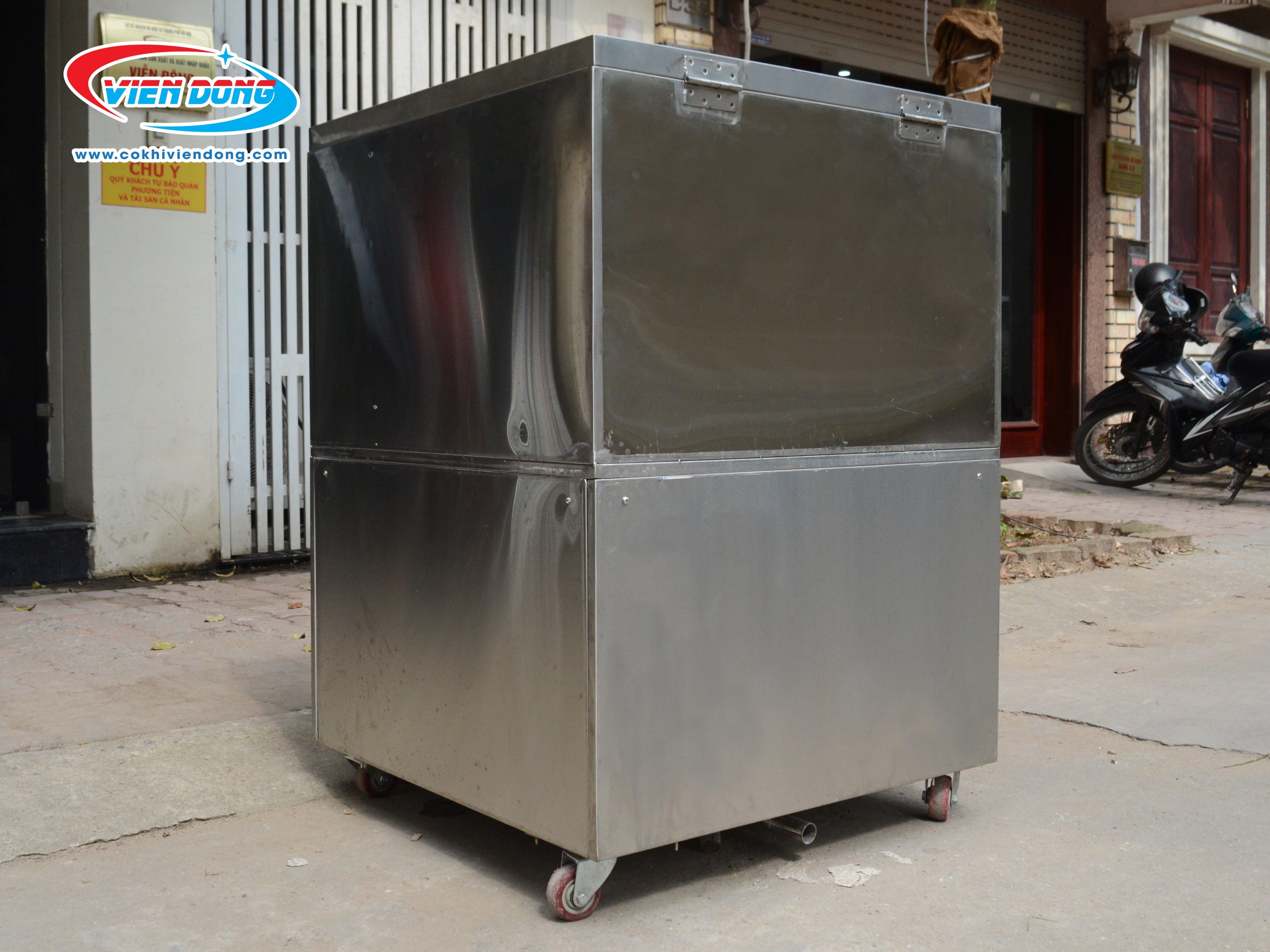 Máy được làm từ chất liệu inox 304