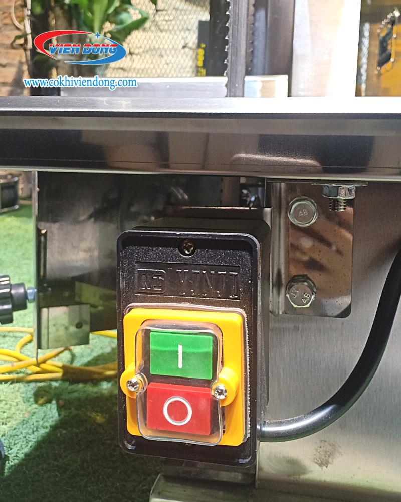 Nút điều khiển máy cắt thịt đông lạnh HD 130B
